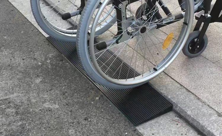 Anti-slip anti-slip rubber ramp mat